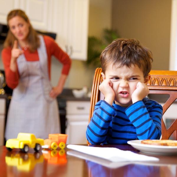 چه کار کنیم بچهها به حرفمان گوش کنند؟