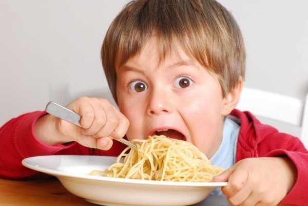 نگران پرخوری فرزندتان هستید؟ چند توصیه برایتان داریم