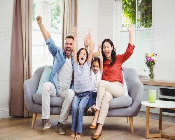 چگونه کودکان خود را در خانه همچنان شاد، مشتاق یادگیری و سرگرم نگهداریم؟