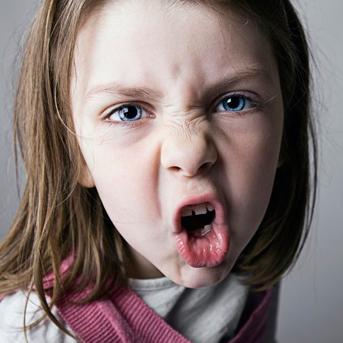 8 علت پرخاشگری کودکان + راههای آموزش کنترل خشم در کودک