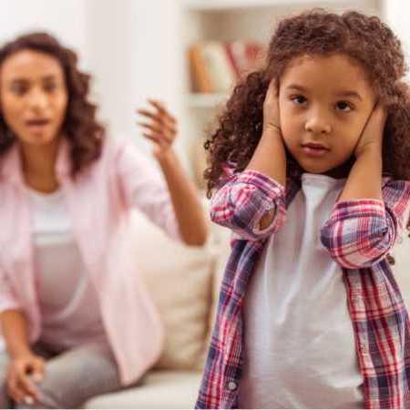 ۱۰ راه برای کنار آمدن با بچههای لجباز