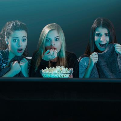 دیدن فیلمهای ترسناک برای چه کسانی ممنوع است؟ + اثرات مخرب