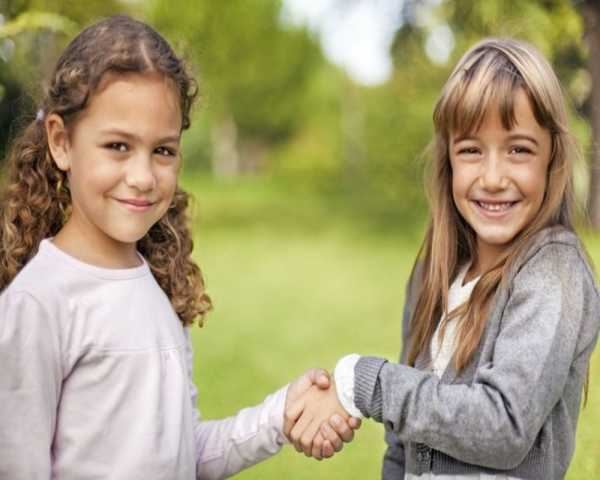 چطور مهارت آغاز ارتباط را در کودک تقویت نماییم؟