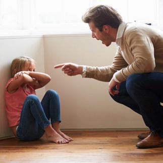 ایجاد 12 اختلال شخصیتی نتیجه کتک زدن کودک